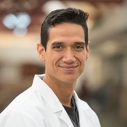 Dr Omar Oliveira